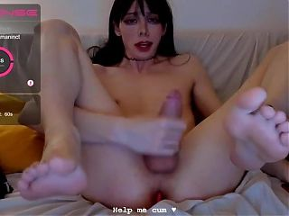 Sexy feet cd cums on herself